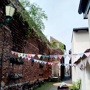 Katja_Schmitt_Zons_Medieval_Alleyway_02